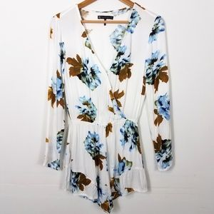 House of Harlow 1960 White Blue Floral Romper
